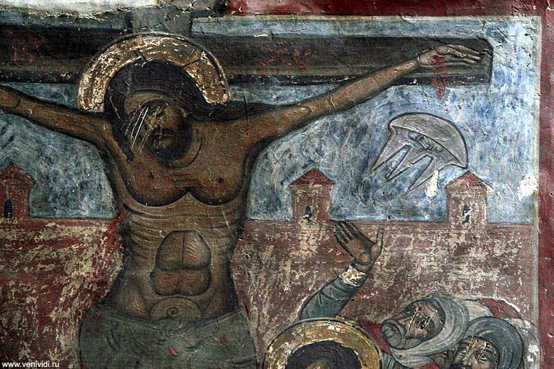 Интересной деталью в росписи арки вокруг животворящего столба является широкоизвестное в кругах уфологов изображение НЛО:  в правом верхнем углу - летающая тарелка с лицом в иллюминаторе