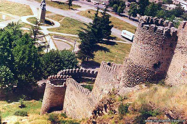 Курорт Гори. Старинная оборонительная крепость Горис-цихе